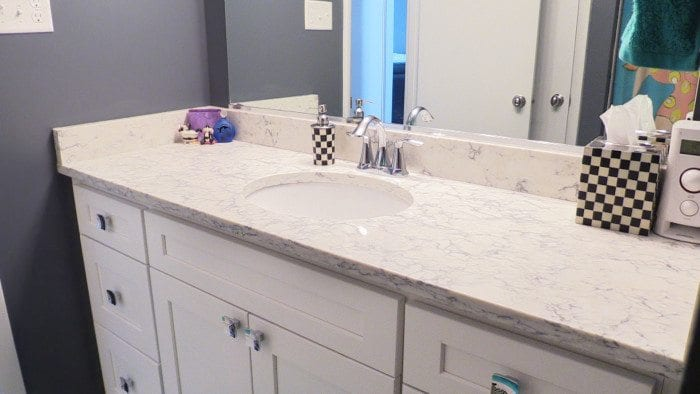 Superbe Quartz Bathroom Countertop