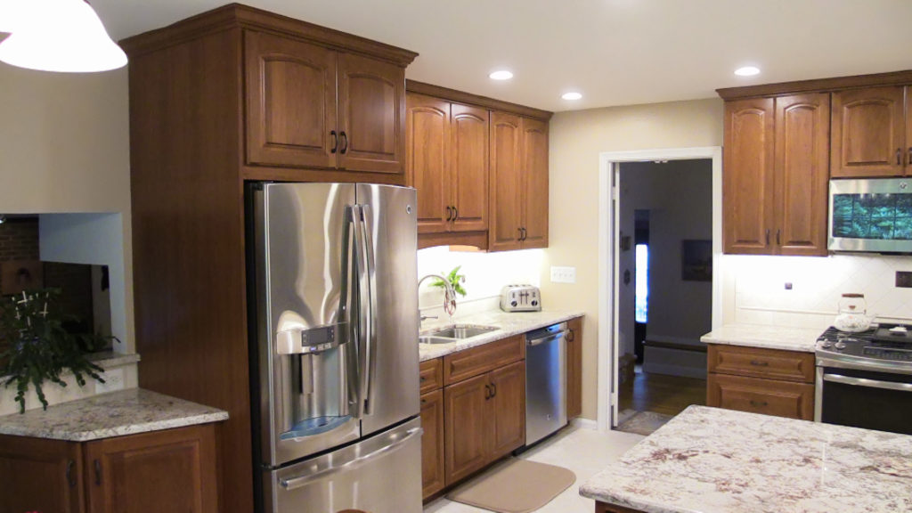 Brighton Cabinetry Cherry Cabinets Were Used In A Cherry Mattoon Stain And  Neoga Ridge Arched Raised Door Style. The Counter Tops Are Granite In The  Color ...